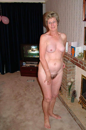 nice granny with small special nude pics