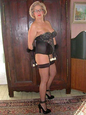 granny in lingerie free pics
