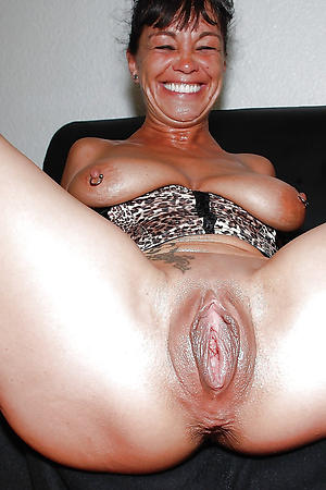 busty shaved granny pussy porn pic