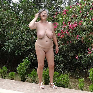 nude pics of shaved granny cunt