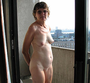 hotties shaved granny cunt nude pics