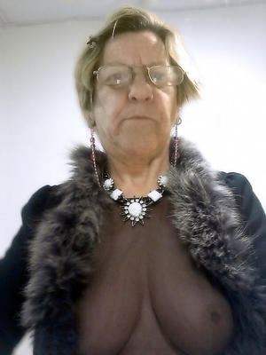 nude pics of older granny pussy
