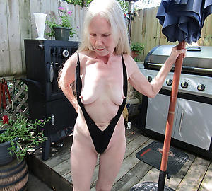 amazing older women in bikinis nude pics