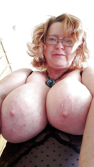 older women divest selfshots