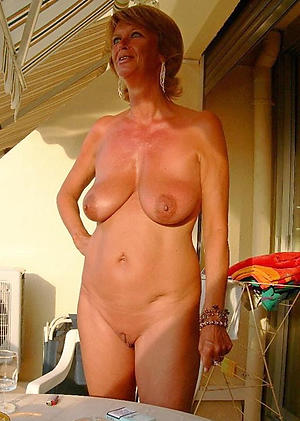 naughty granny mature housewife pussy picture