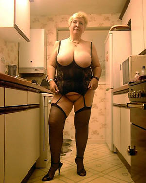 xxx pictures of granny mature housewife pussy