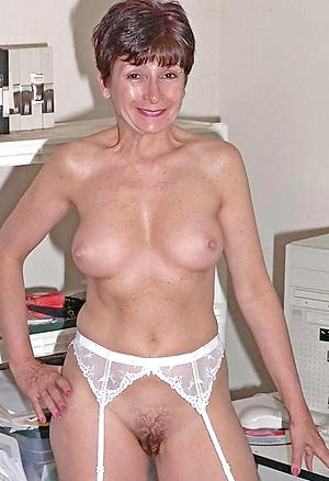naked granny mature housewife pussy