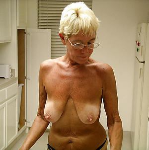horny old housewife pussy porn pic