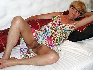 older women upskirt porn pics