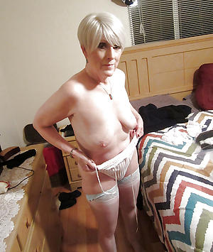 beautiful granny pussy posing denuded