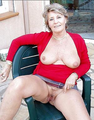 nude pics of beautiful granny pussy