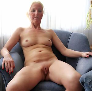 gorgeous unvarnished older women solo video