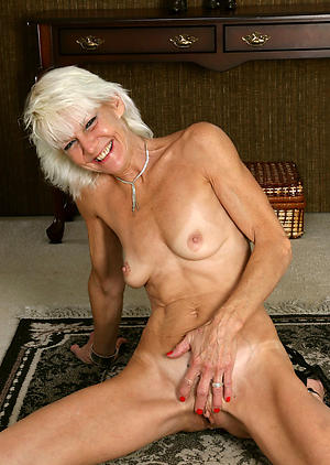 older women solo posing in the buff