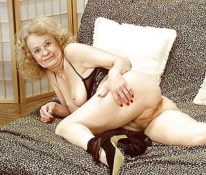 granny pussy love posing nude