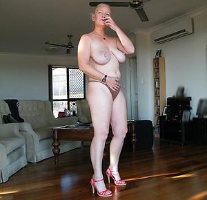 xxx women with beautiful legs