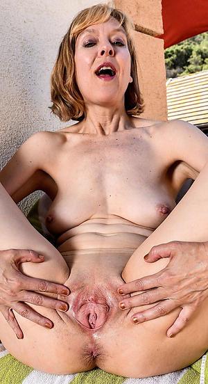 horny amateur elderly women porn pics
