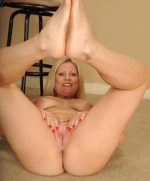 free pics of mature granny legs
