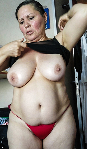 older unfocused fat tits amateur pics