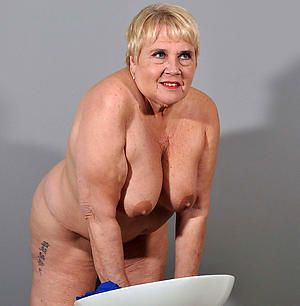 sex galleries of fat granny pussy
