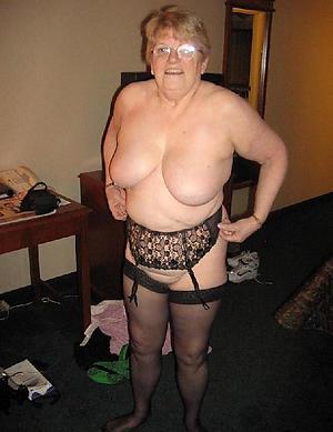 busty grannies amateur pics
