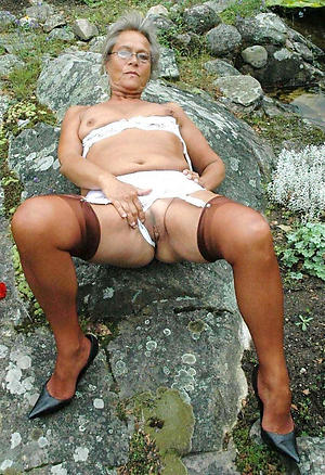 imbecilic nude granny glasses pics