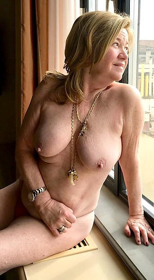 sexy pictures of old tow-headed milf