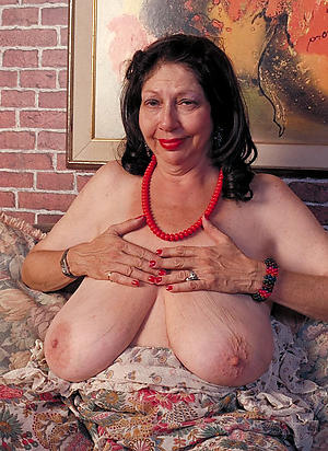 Older Women With Saggy Tits