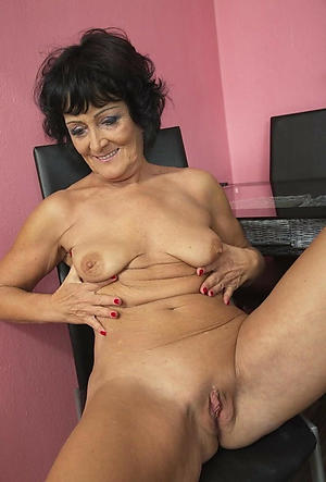 saggy granny pussy in porn