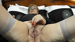 nasty amateurs mature granny vulva