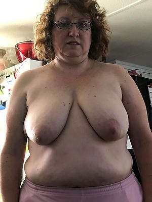 nude pics of chubby old pussy