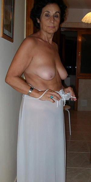 mature granny solo private pics