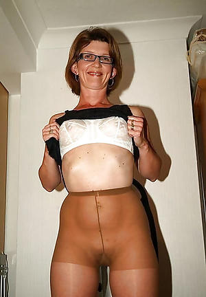 nude pics of old pussy in pantyhose