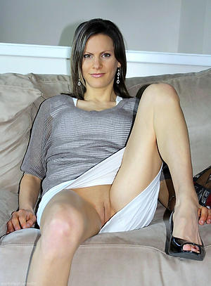old upskirt pussy pic