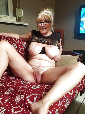 free pics of hot granny in glasses