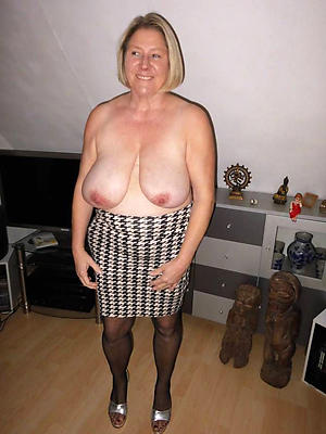 really grannies in pantyhose porn pics