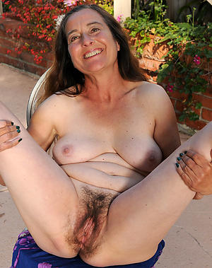Slutty doyen close-fisted pussy
