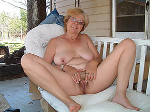 undecorated pics of older amateur