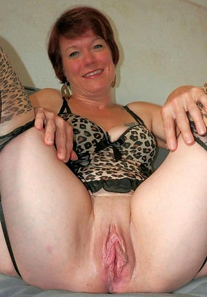 free pics of wet granny vulva