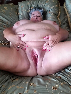 old women shaved pussy indifferent pics