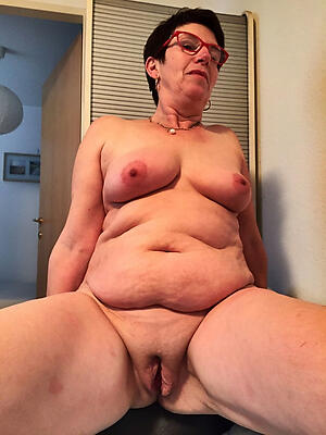 free pics of sexy shaved pussy granny