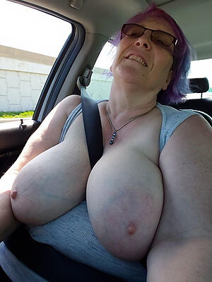 free pics of older huge tits