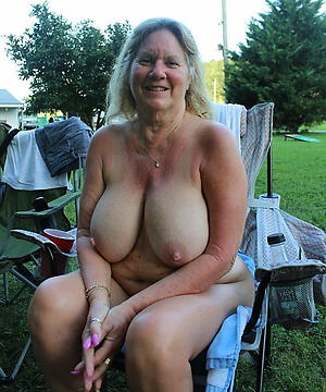 sexy busty grannies private pics