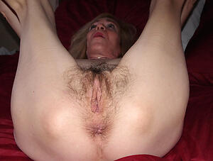 nasty wet old vulva pic