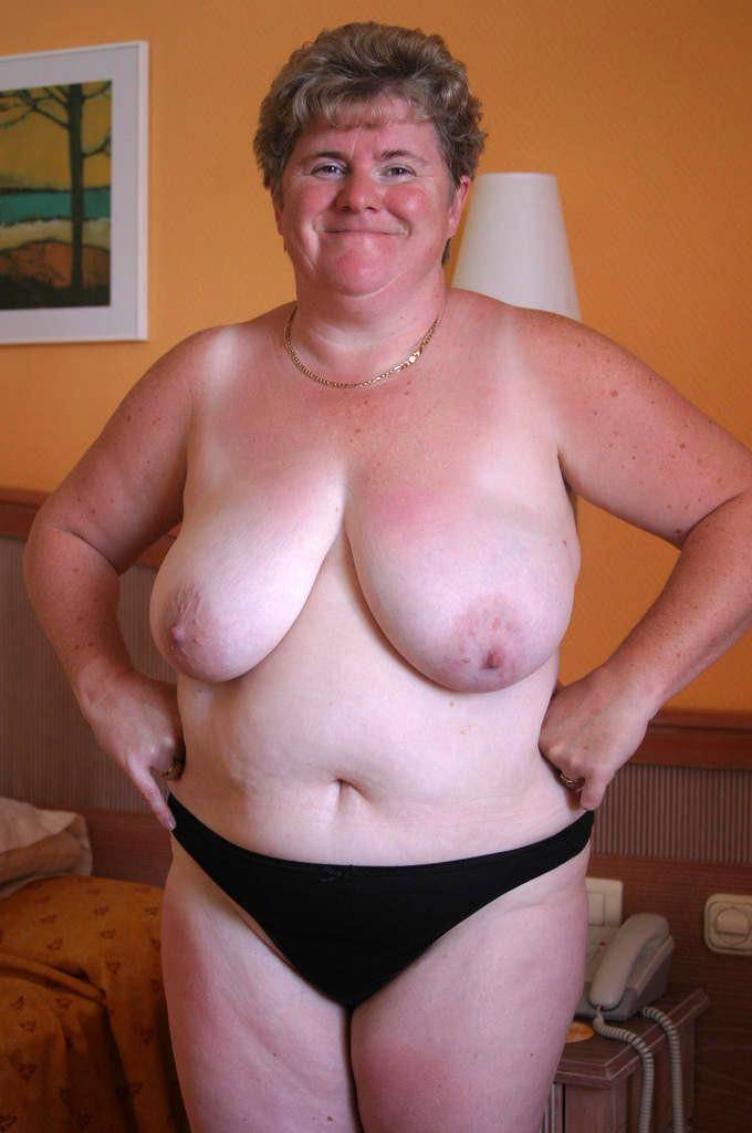 Pic granny amateur Dubio Bikinis