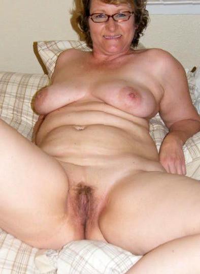 Real nude mom home
