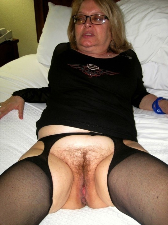 Vagina porn old Mature and