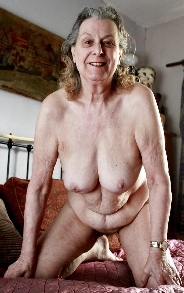 Horny very old naked women picture