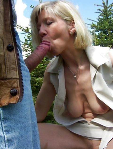 Porn mature outdoor OUTDOOR @