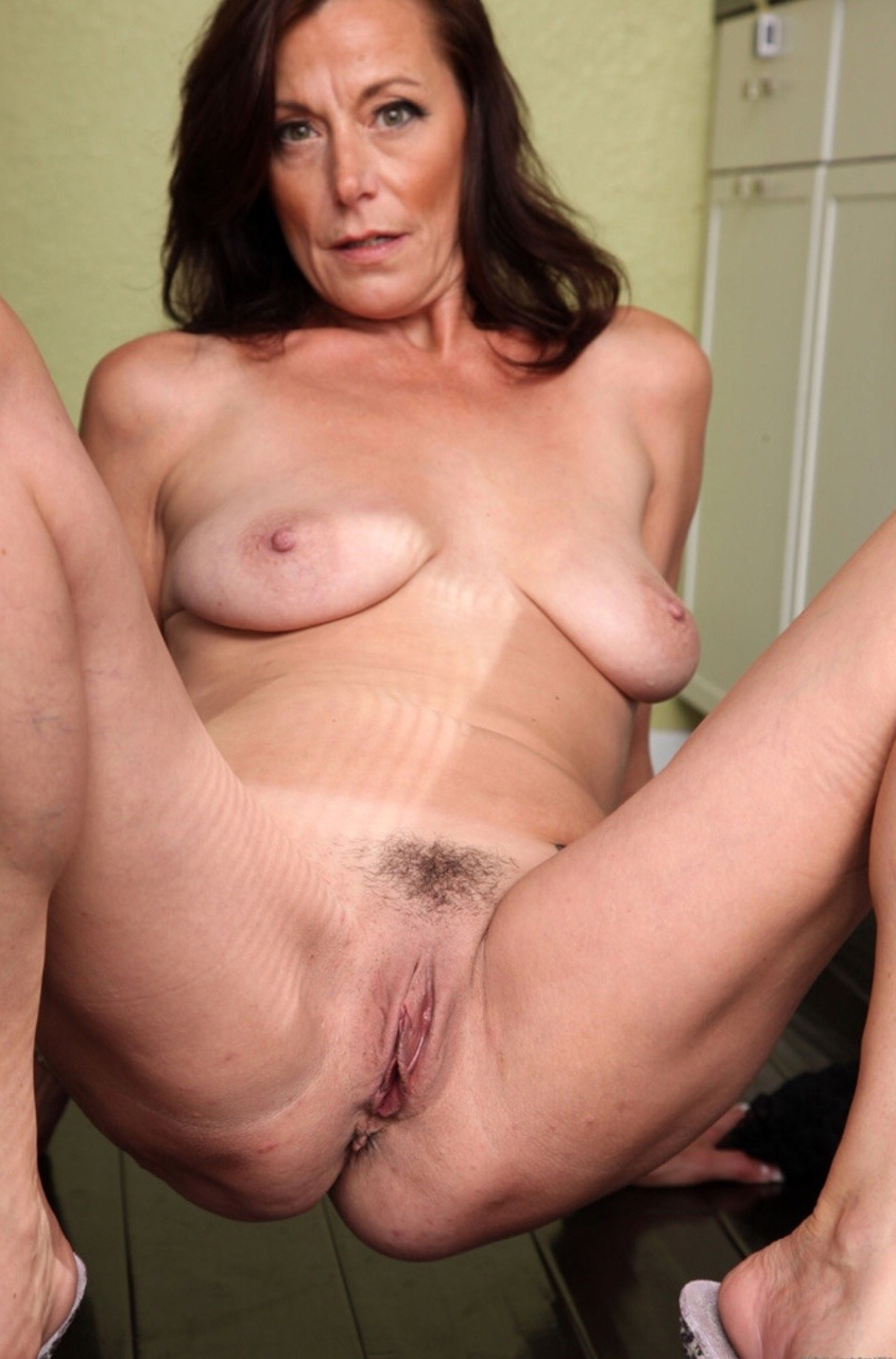 Old Mom Pussy Foto