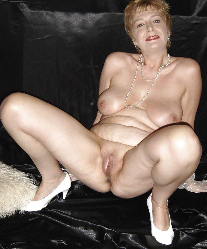 aged women shaved pussy hot porn pic